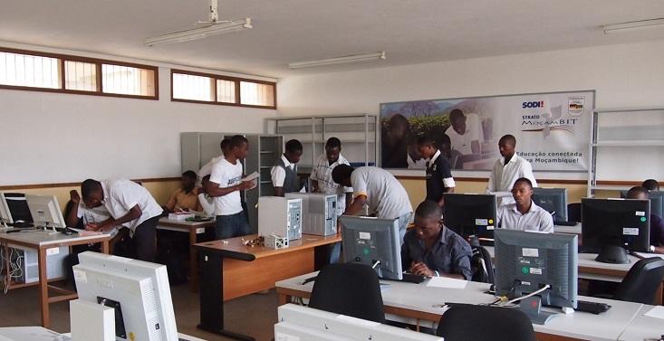 MocamBIT Maputo Klassenzimmer